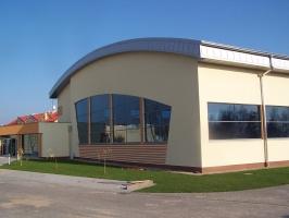 Gminne Centrum Sportu i Rekreacji w Dźwirzynie_1